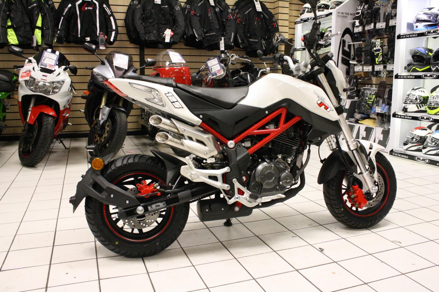 Benelli Tnt 125 125cc Red White Black Cardiff