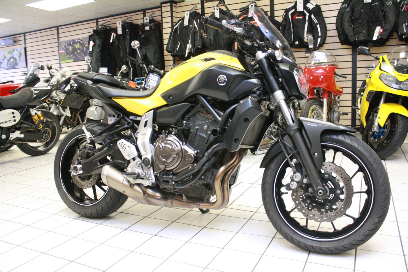 Yamaha MT-07 700cc Yellow 2015 ABS
