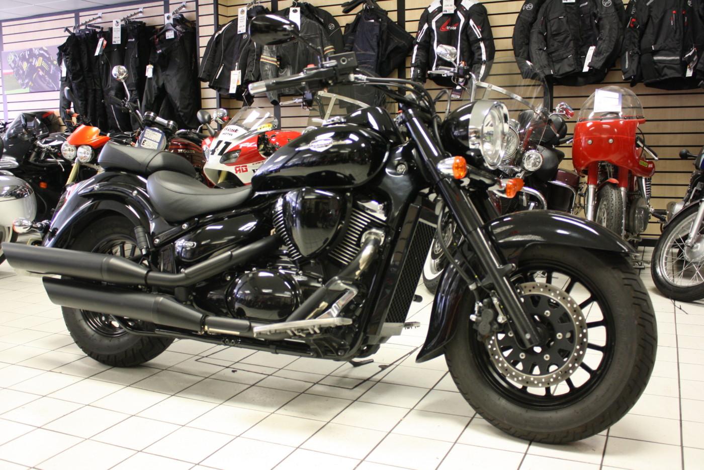 Suzuki VL800 Intruder C800 Black