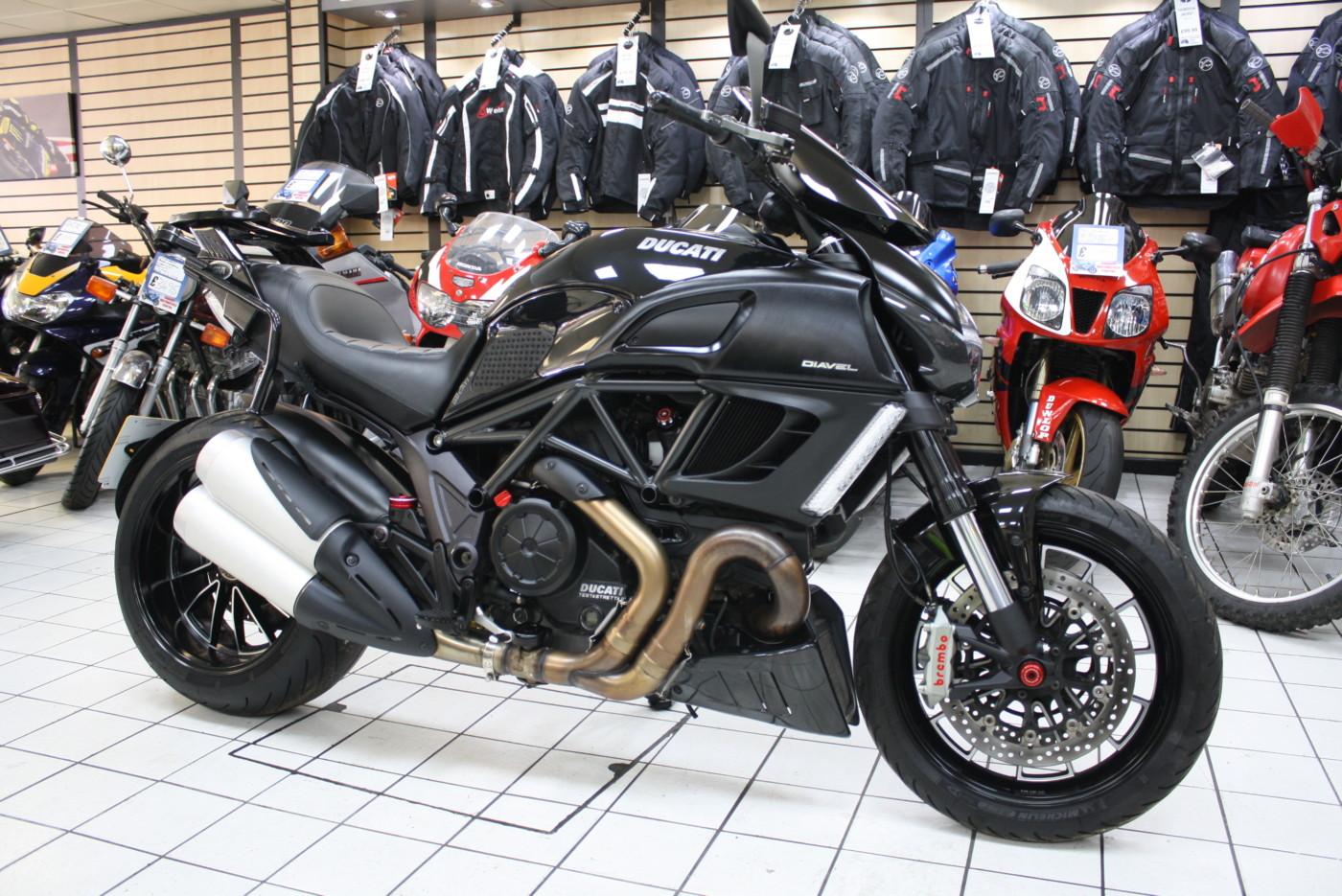 Ducati Diavel 1198 Black