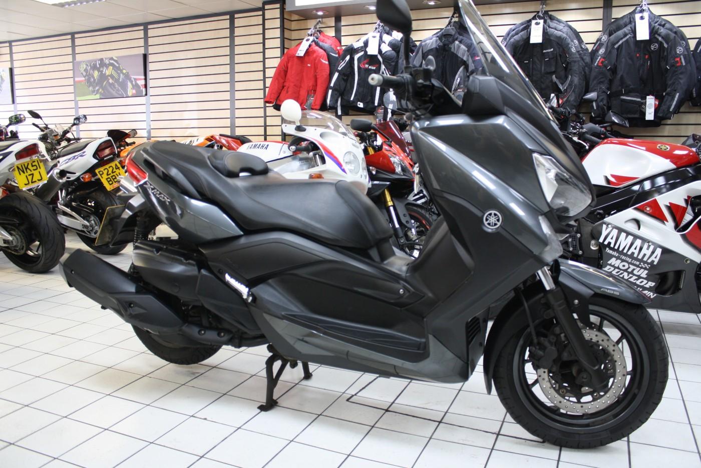 Yamaha YP400R ABS