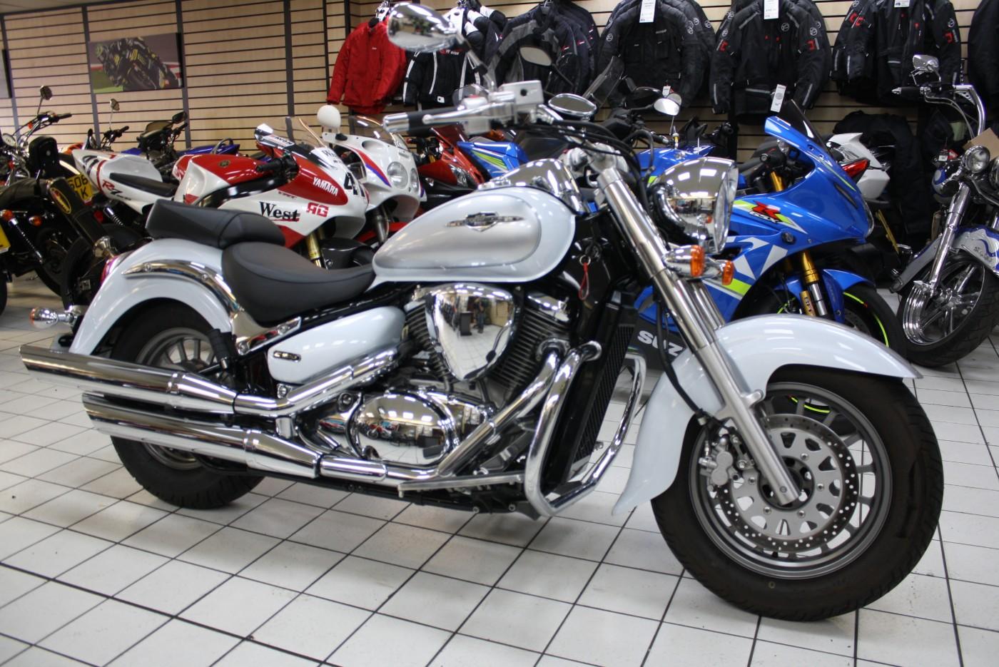 Suzuki VL C800 Custom