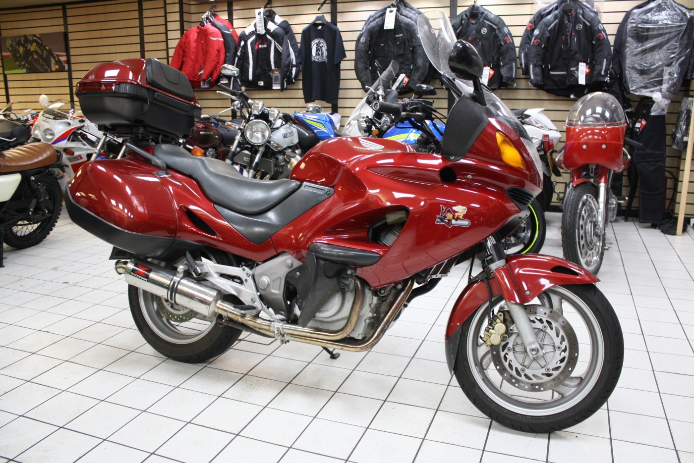 Honda NT650V DEAUVILLE