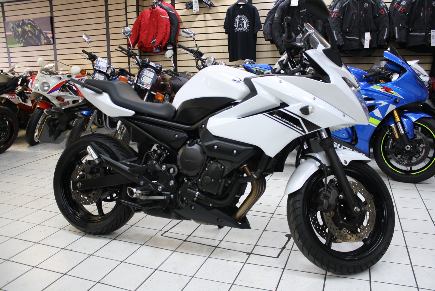 Yamaha XJ 600 Diversion 2015 White 14461 Miles