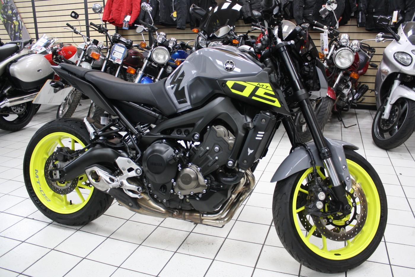 2017 Yamaha MT09 Nimbus Grey 8925 Miles