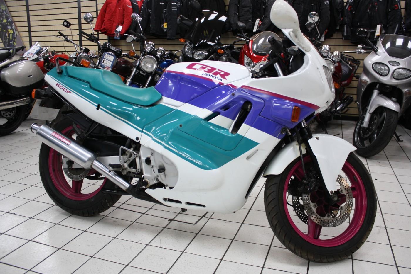 1991 Honda CBR 600 FL Benetton 22k